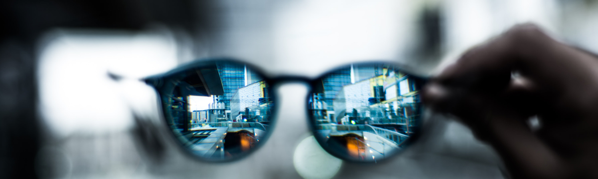 shallow focus photo of sunglasses photo